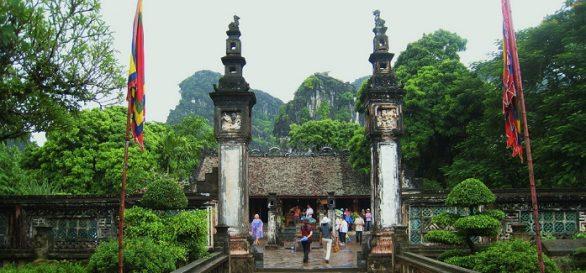 Temple de dynastie Dinh à Hoa Lu