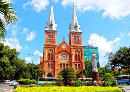 Visiter la cathédrale Notre Dame Saïgon
