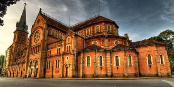 Cathédrale Notre Dame de Saigon séjour au Vietnam