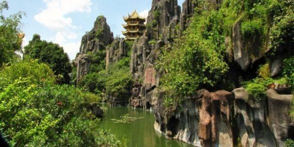 Visiter les montagnes de Marbre à Danang